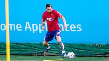 Lionel Messi jugaría en la banda derecha bajo las órdenes de Ronald Koeman (@FCBarcelona_es)