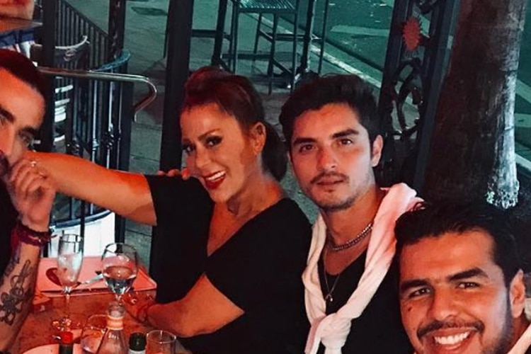 Captan A Alejandra Guzmán Con El Ex De De Frida Sofía Mientras Ella