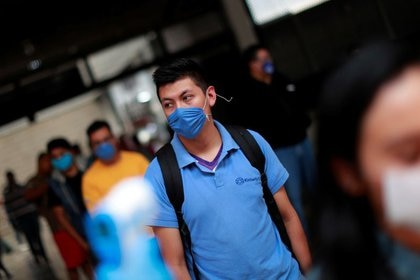Merchants must apply health protection standards that are compatible with the line of business (Photo: Reuters / Carlos Jasso)