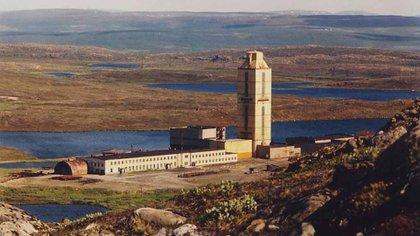 El pozo SG-3 de la Península de Kola, en Rusia, mide 22 centímetros de ancho y se dejó de perforar en 1994