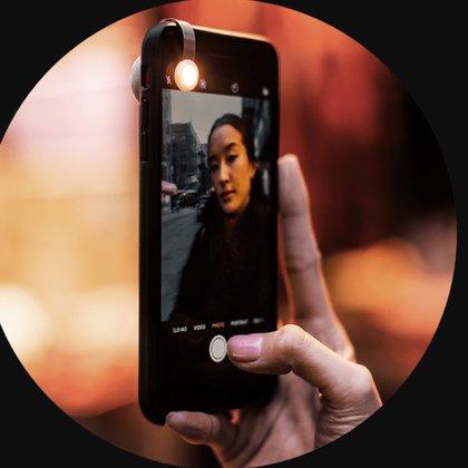 Moon UltraLight, luz portátil para el celular