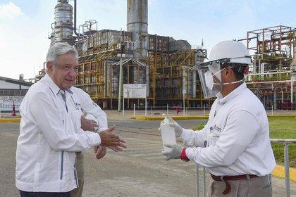El presidente Andrés Manuel López obrador en su visita a la refinería Salina Cruz, en Oaxaca (Foto: López Obrador)