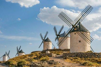 La Ruta del Quijote en España tiene una extensión de 600 kilómetros, aunque para el Patronato de Castilla la longitud real puede extenderse hasta 2500 y comprender a casi 150 municipios