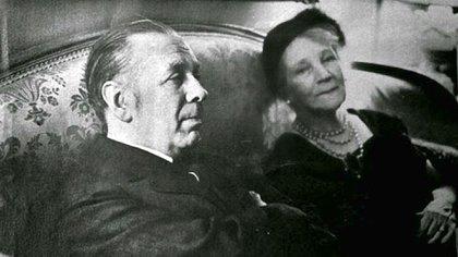 Jorge Luis Borges y su madre