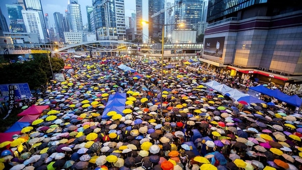 """La """"revolución de los paraguas"""", ejemplo de resistencia civil contra el régimen chino en Hong Kong"""