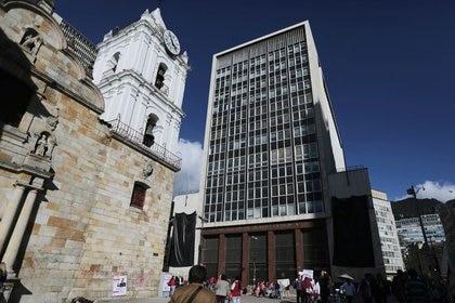 Foto de archivo. Imagen de la sede del Banco Central de Colombia en Bogotá, Colombia, 9 de octubre, 2019. REUTERS/Luisa González