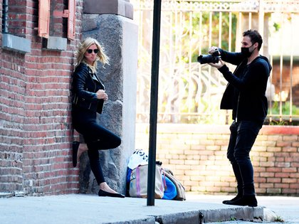Con un look rockero, Nicky Hilton Rothschild realizó una sesión de fotos en las calles de SoHo, en Nueva York. Recientemente, la hermana de Paris Hilton cumplió 37 años y lo celebró con un grupo de amigos a pesar de la pandemia (Foto: Backgrid / The Grosby Group)