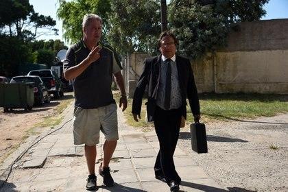 El padre de Pablo Ventura -el joven al que acusan los rugbiers-, al llegar esta mañana a la fiscalía donde declara su hijo (Foto: Diego Medina)