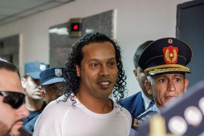 Ronaldinho y su hermano habían sido detenidos en marzo (EFE)