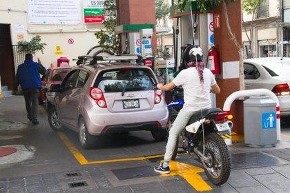CIUDAD DE MÉXICO, 16ENERO2019.- Gasolinera de la calle de Bolivar en el centro histórico de la Ciudad, despacha de manera normal el combustible. FOTO: VICTORIA VALTIERRA /CUARTOSCURO.COM