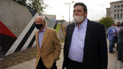 Fernando Marín, ex titular del Fútbol para Todos, y Pablo Avelluto, ex ministro de Cultura