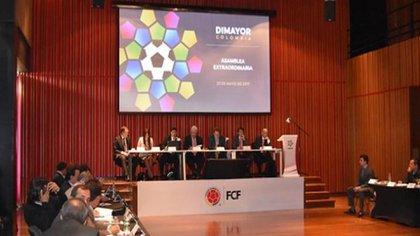 Directivos del fútbol profesional colombiano en una asamblea extraordinaria de la Dimayor en 2020 / (Agencia de Periodismo Investigativo).