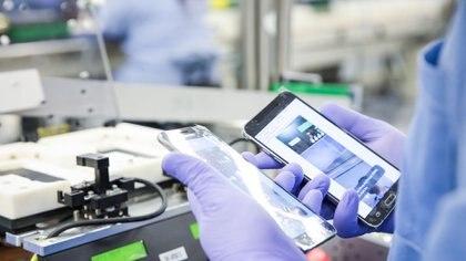 El Gobierno congelará los precios de celulares y otros electrónicos hasta octubre