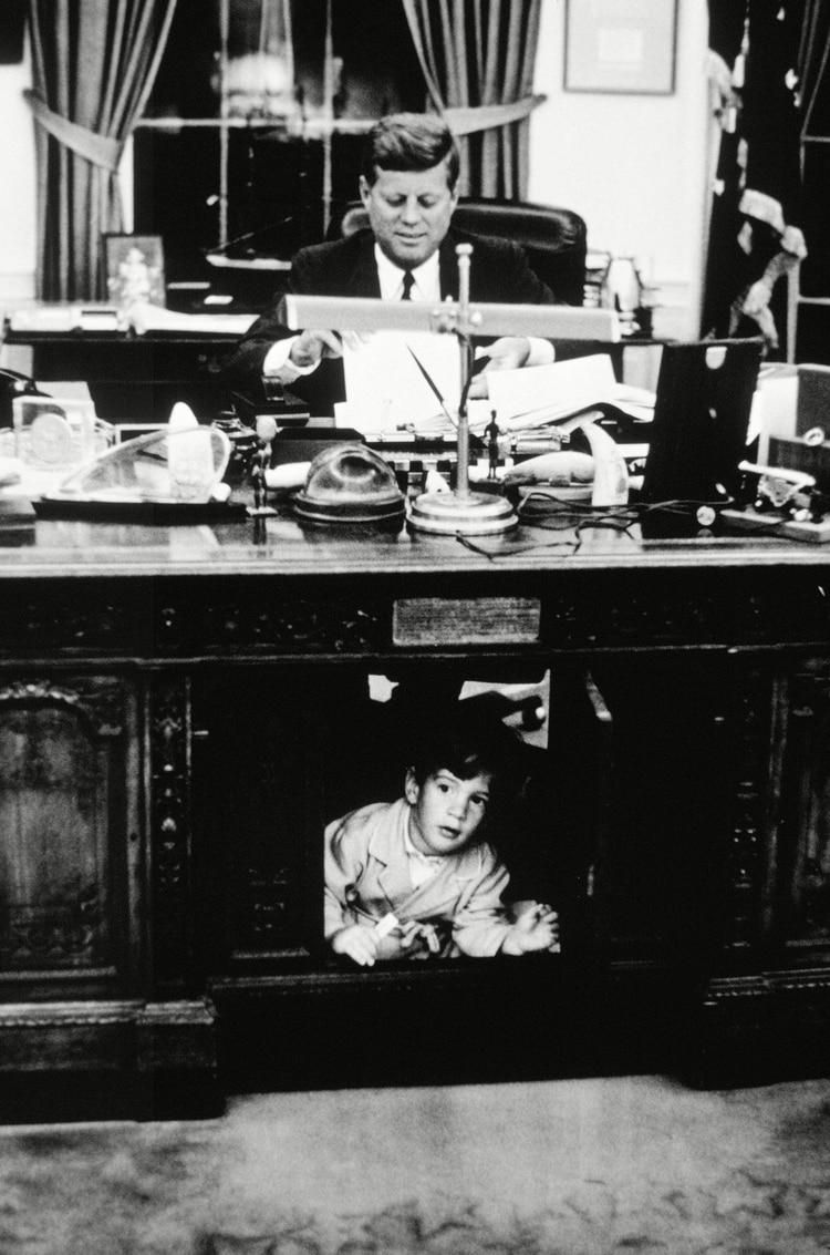 John F. Kennedy y John F. Kennedy JR, en Washington (Photo by JFK Collection/Shutterstock)