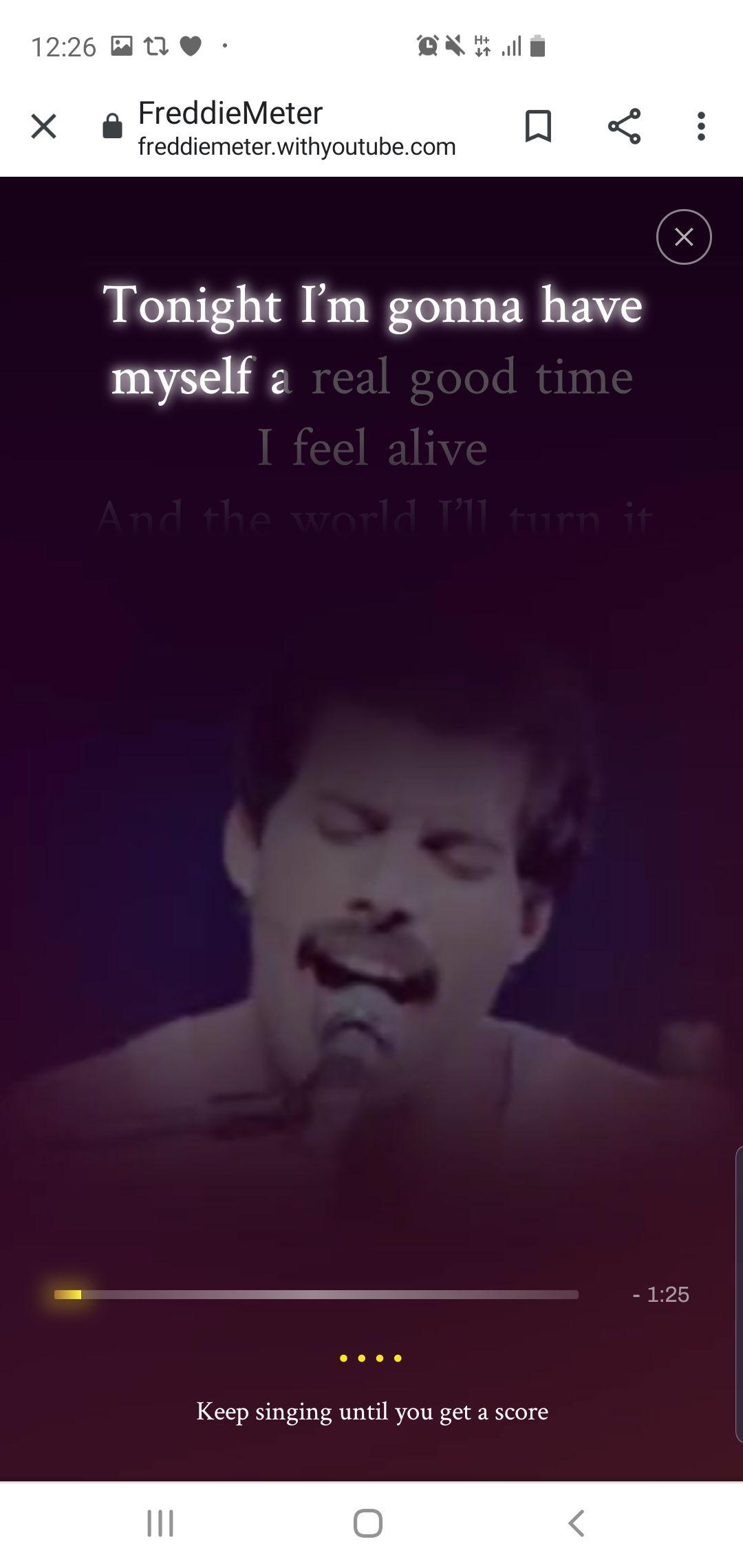A medida que suena la melodía, el usuario ve la letra de la canción como en un karaoke.