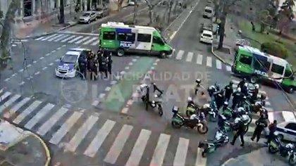 A raíz de los incidentes la Municipalidad de La Plata debió ser desalojada