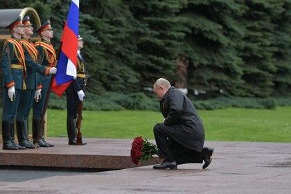 El presidente ruso Vladimir Putin en el homenaje a los veteranos de la Segunda Guerra Mundial en el aniversario de la victoria aliada (Sputnik/Alexei Druzhinin/Kremlin via REUTERS)