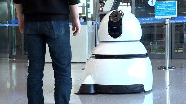 Los japoneses como el director del MIT crecieron soñando con convertirse en cyborgs.