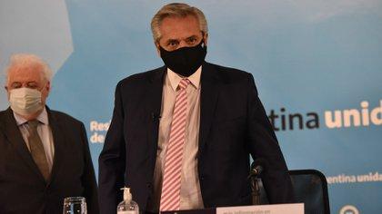 Alberto Fernández junto a Ginés González García (Franco Fafasuli)