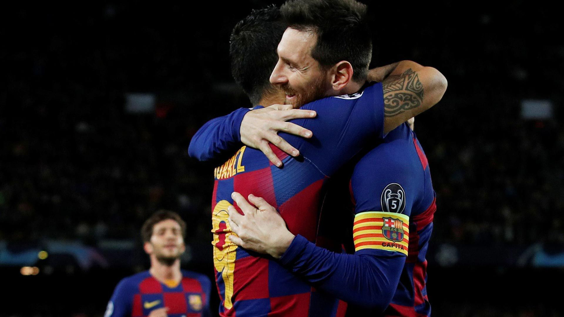 Messi abrazo suarez barcelona