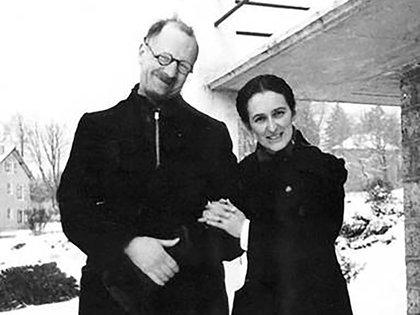 El Pastor Andre Trocme junto a su esposa, Magda