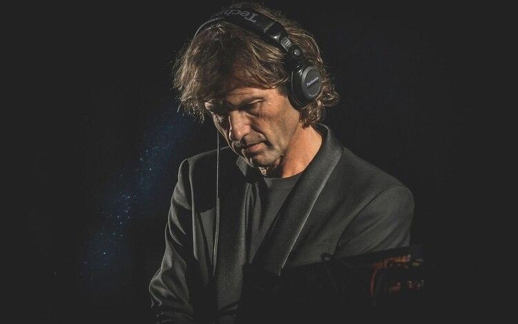 Luego de muchos años fuera de Argentina, volvió al país convencido de que la música electrónica merecía otro lugar en el corazón de los argentinos (Esteban Salino)