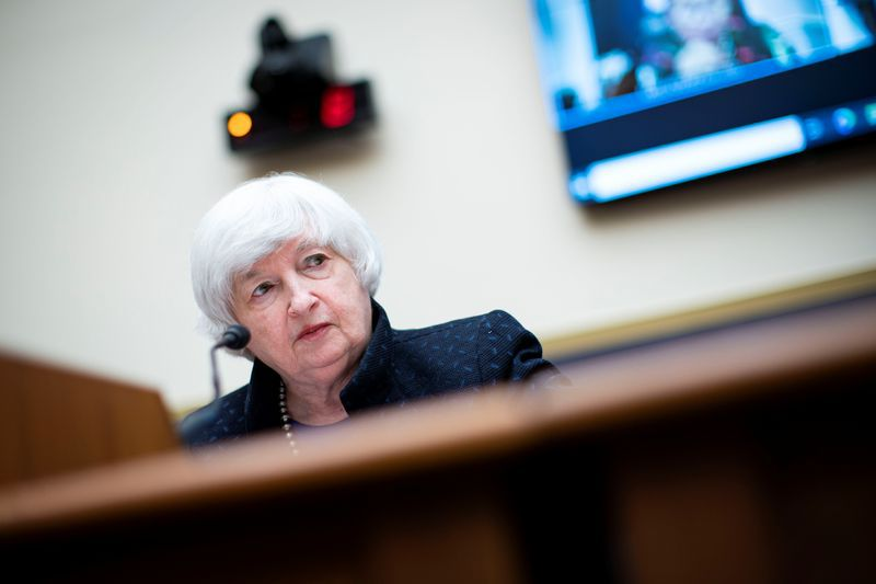 La secretaria del Tesoro de EEUU, Janet Yellen dando testimonio en audiencia ante la Comisión de Servicios Financieros de la Cámara de Representantes, Washington, EEUU, 30 septiembre 2021. Al Drago/Pool vía REUTERS