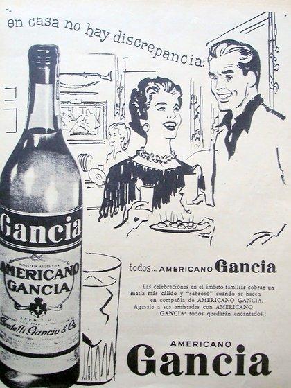 Antigua publicidad de Gancia donde se detalla su espíritu de reunión