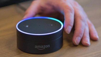 Echo, el asistente personal de Amazon, y otros dispositivos conectados a al redposeerán una cantidad gigantesca de datos sobre los votantes del porvenir cercano.