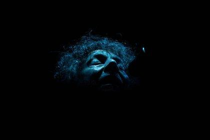 """La misteriosa y cautivante """"Ámbar violeta"""" (a pedido de su hija Margarita) y los dientes apretados & rabiosos de """"Ciudad de pobres corazones"""", entre lo más destacado del show de Páez: dos caras del disco clásico que editó en 1987"""
