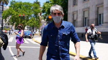 Pablo Echarri llegando al velatorio de Maradona (Fotos: Franco Fafasuli)