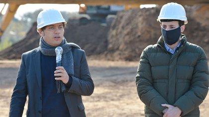 El gobernador bonaerense, Axel Kicillof, junto al Ministro de Infraestructura, Agustín Simone