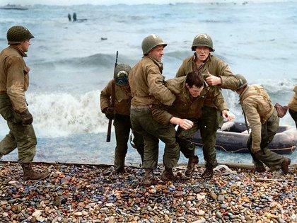 Un soldado fue herido durante el desembarco en Omaha Beach, el nombre en clave dado a uno de los lugares donde las tropas aliadas tocaron tierra en Normandía. Era el 6 de junio de 1944 y la Segunda Guerra Mundial comenzaba a dar un giro