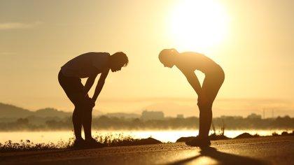 Son muchos los estudios que han observado, en personas de todas las edades que la actividad física se asocia a un mayor bienestar emocional (Shutterstock)