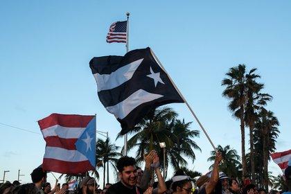 La comisionada González trabaja junto con Darren Soto, el primer congresista puertorriqueño electo por la Florida, quien presentó una resolución bipartidista para respaldar el plebiscito y solicitar que el Congreso tome medidas en 2021. (REUTERS/Gabriella N. Baez)