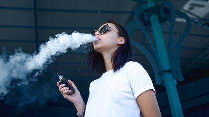 """El cigarrillo electrónico es considera una """"epidemia"""" entre los adolescentes de EEUU (Shutterstock)"""
