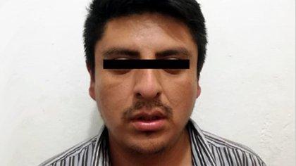 El sujeto se mantiene recluido en el Centro Penitenciario de Nezahualcóyotl: originalmente asegurado por robo con violencia, un crimen por el cual ya fue vinculado a proceso (Foto: Twitter@FiscalEdomex)