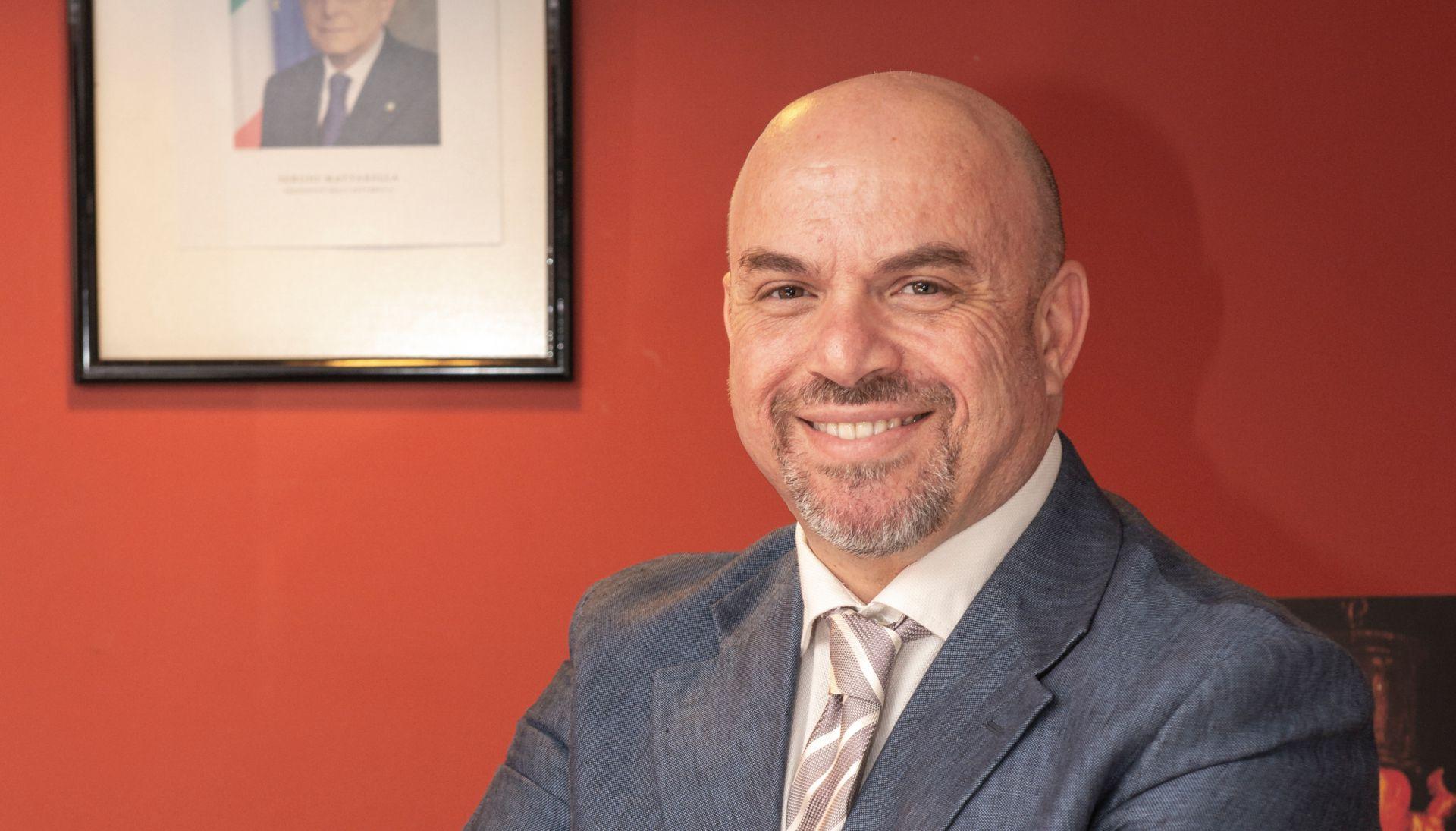 También estará presente Luigi D'Aprea, director de ICE Agencia Italiana para el Comercio Exterior de Buenos Aires