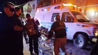 Las víctimas lesionadas por los disparos fueron identificadas como dos hombres jóvenes, de 19 y 25 años de edad, y dos mujeres, de 47 y 53 años de edad (Foto: Twitter/@vigilantehuaste)