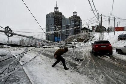 La tormenta ocasionó problemas en el sistema eléctrico de la región. (Foto: Yuri Maltsev/Reuters)