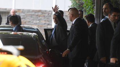El presidente Fernández al retirarse del almuerzo con los empresarios (Maximiliano Luna)