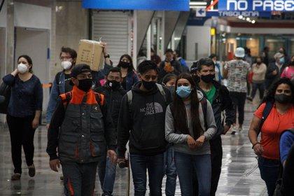 El gobierno de la Ciudad de México anunció una estrategia de movilidad luego del incendió que afectó el servicio de las líneas 1, 2 y 3 del Metro (Foto: Andrea Murcia / Cuartoscuro)