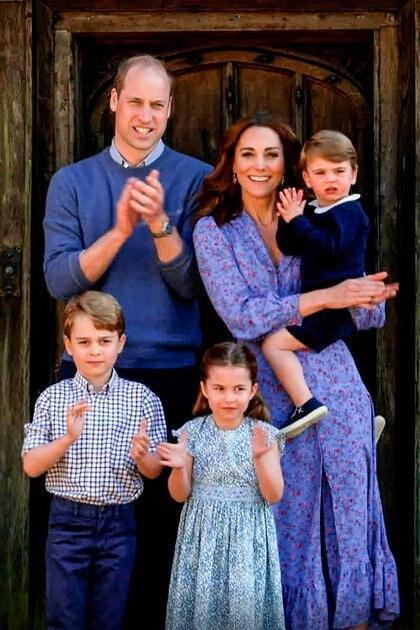 Un Revelador Vestido Y Una Llamada Telefónica Que Casi Destruye Todo El Amor No Tan Perfecto Del Príncipe William Y Kate Middleton Infobae