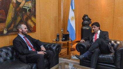 Lacunza, cuando aún era ministro de Hacienda, en la reunión de transición con Guzmán