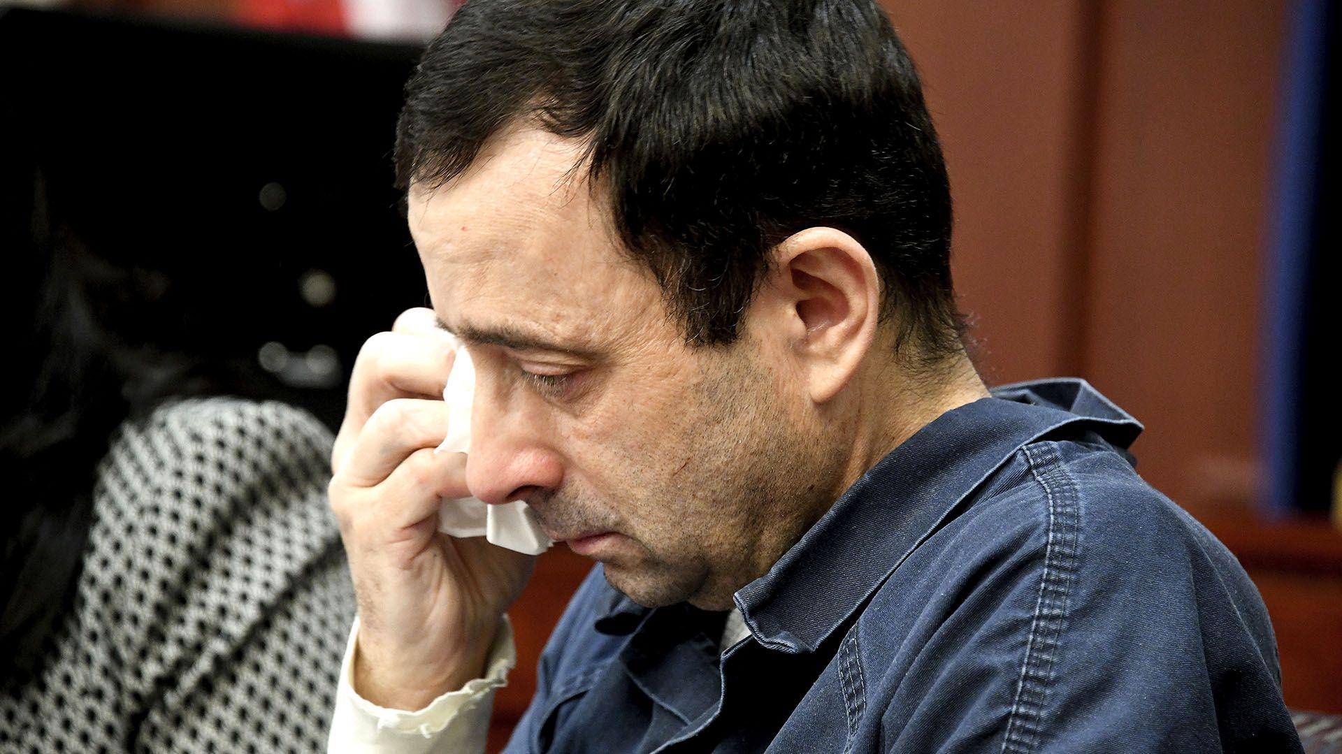 Nassar fue sentenciado a pasar el resto de sus días en la cárcel (Dale G. Young/Detroit News via AP)