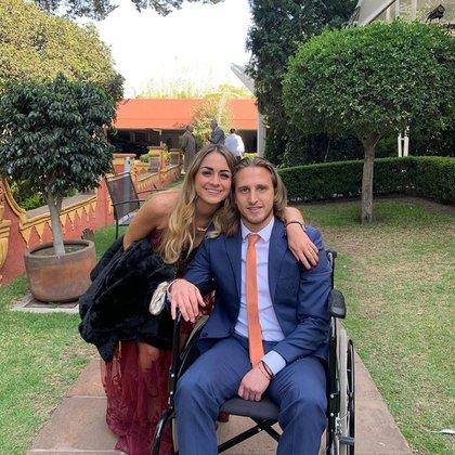 Debido a una lesión, el Tarzán tuvo que dejar el fútbol, sigue con sus tratamientos médicos y tiene que estar temporalmente en una silla de ruedas (Foto: Instagram/ @tonogarciaf)