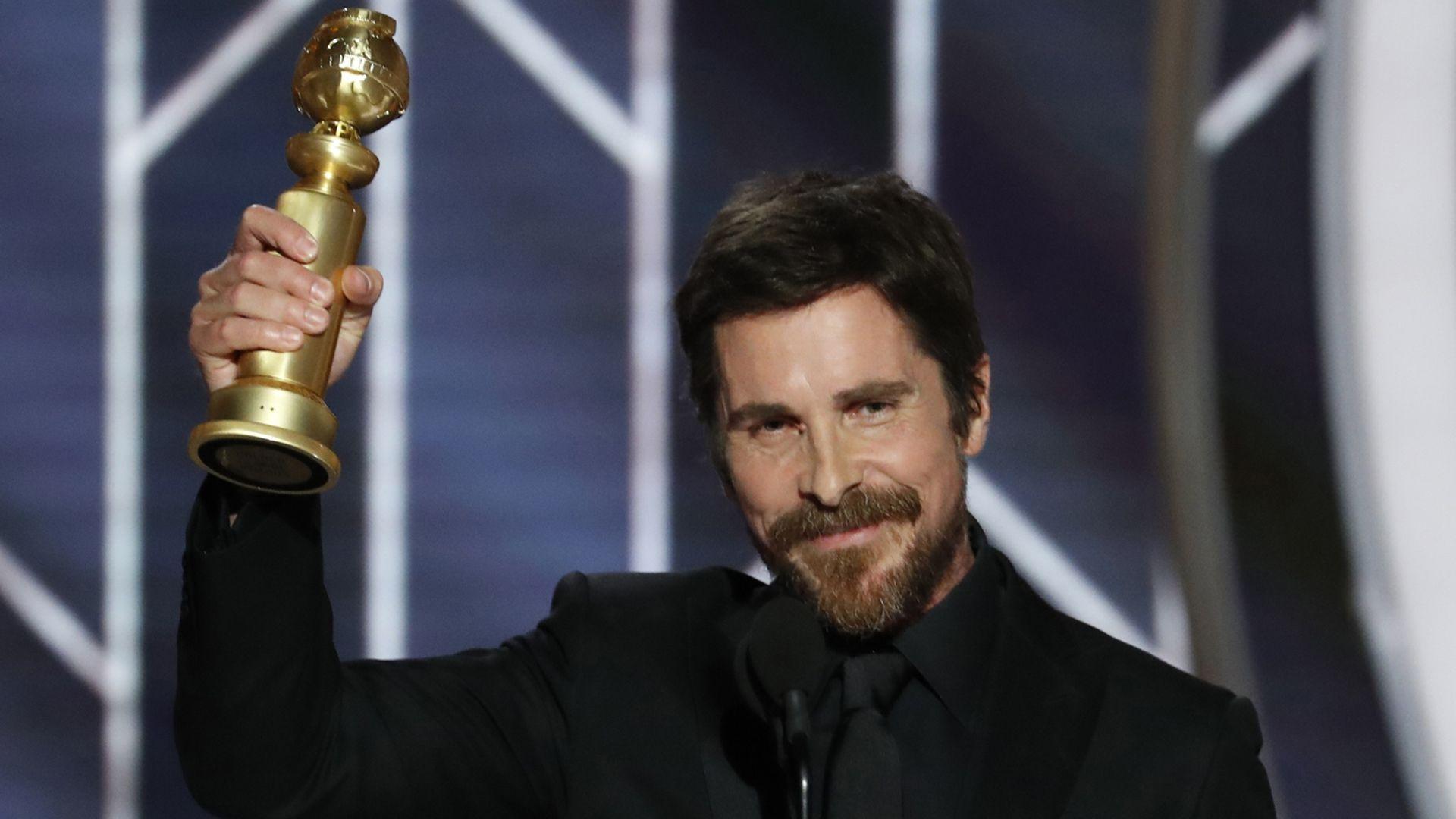 """En 2019, fue premiado con un Globo de Oro por su papel de Dick Cheney en """"El Vicio del Poder"""". Al recoger el galardón dio las gracias al diablo (Foto: Reuters)"""