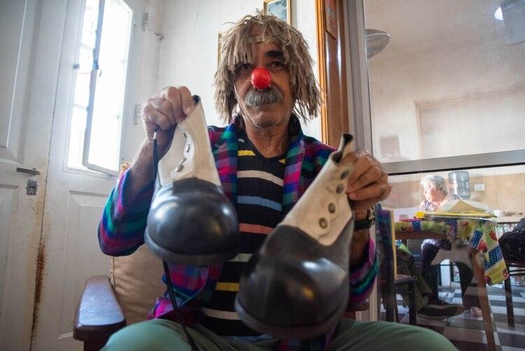 En su casa de Remedios de Escalada, como Cucurucho. Foto: Franco Fafasuli.