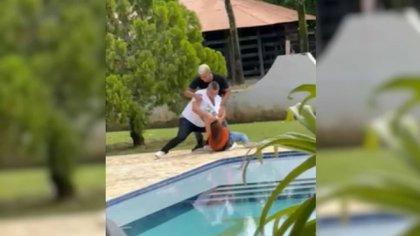 Video de agresión de un hombre a su expareja en una finca de Chigorodó, Antioquia. Captura de pantalla.