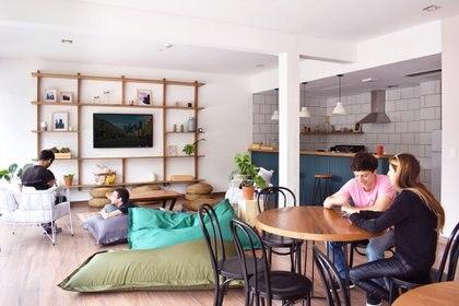 Los denominadores comunes de estos desarrollos pensados para la modalidad co-living son los espacios que fomentan la interacción y un contrato de alquiler más simple. (Casa Campus)